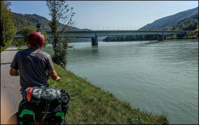 A Duna mellett
